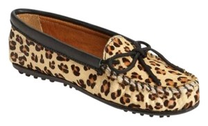 Minnetonka Leather Calfhair Moccasins Leopard Flats
