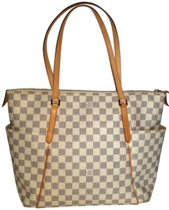 Louis Vuitton Totally Mm White Checks Damier Shoulder Bag