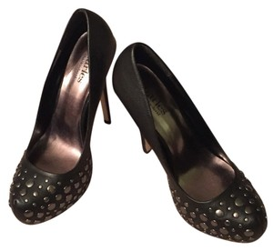 Charles by Charles David Black Pumps
