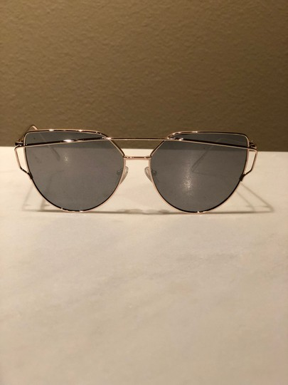 Other Mirror with Gold frames Sunglasses Image 1