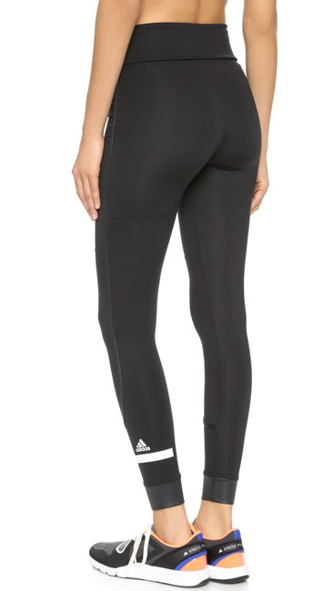 Item - Black Women's The Performance Fold Over Activewear Bottoms Size 8 (M, 29, 30)