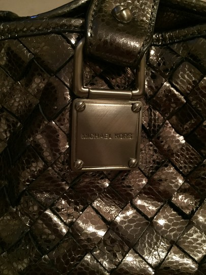 MICHAEL Michael Kors Pewter Leather Like New Tote Shoulder Bag