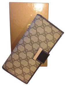 Gucci Gucci Long Monogram Wallet