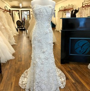 Oleg Cassini Ivory Cwg474 Feminine Wedding Dress Size 10 (M)