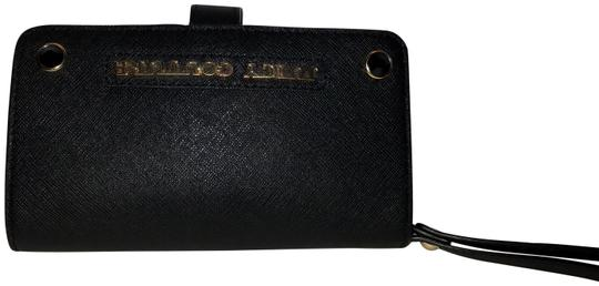 Preload https://img-static.tradesy.com/item/22720861/juicy-couture-black-iphone-55s-wallet-phone-case-leather-nwot-tech-accessory-0-1-540-540.jpg