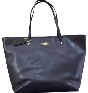 Coach Leather Tote in Midnight Navy Blue