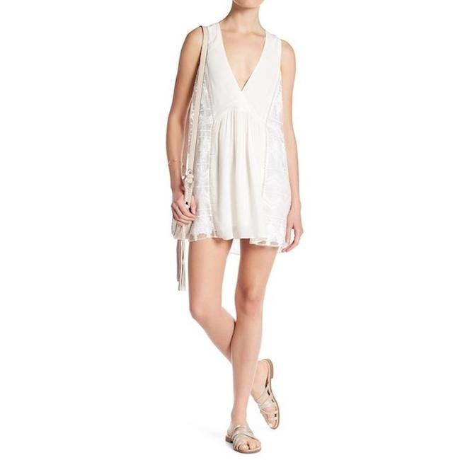 Preload https://img-static.tradesy.com/item/22721455/dolce-vita-ivory-new-dylan-s-short-casual-dress-size-6-s-0-0-650-650.jpg