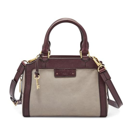 Preload https://img-static.tradesy.com/item/22722187/fossil-logan-small-grey-leather-satchel-0-0-540-540.jpg
