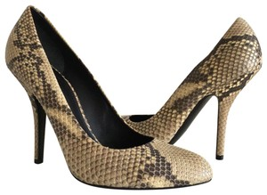f68c6bf30fa Céline Pumps - Up to 90% off at Tradesy