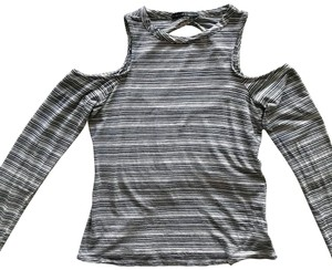 Harlowe & Graham Gray Cold Shoulder Stripes Casual Tee Top
