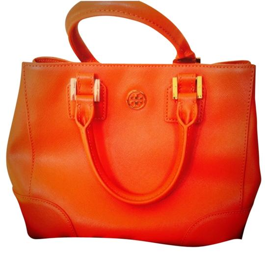 Preload https://item4.tradesy.com/images/tory-burch-tote-bag-wild-berry-609-2273013-0-0.jpg?width=440&height=440