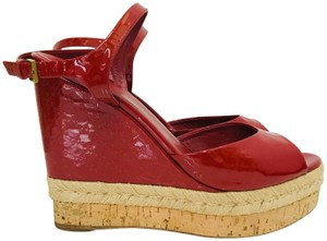 Gucci Patent Hollie Wedhe Red Wedges