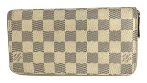 Louis Vuitton Louis Vuitton Zippy Wallet Damier Azur comes with DustBag and Box