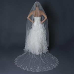 Elegance by Carbonneau Ivory Long Single Layer Cathedral Length Scalloped Cut Edge Bridal Veil