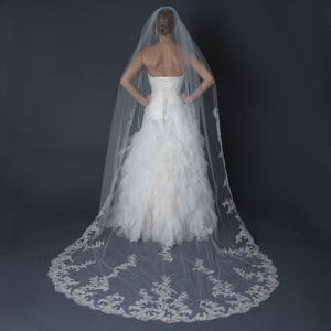 Elegance by Carbonneau Ivory Long Single Layer Cathedral Length Scalloped Edge Bridal Veil