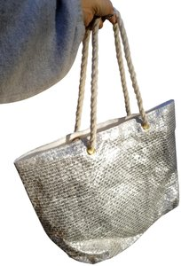 Saks Fifth Avenue Woven Rope Grommets Nautical Foil Tote in silver