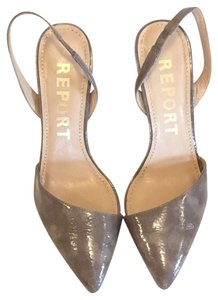 REPORT Taupe Grey Pumps