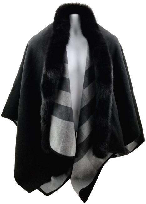 Item - Black/Grey Reversible Fox Fur-trimmed Check Merino Wool Poncho/Cape Size OS (one size)