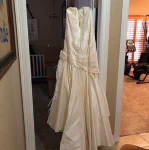 Melissa Sweet Ivory Silk Taffeta Mika Gown (12) Traditional Wedding Dress Size 12 (L)