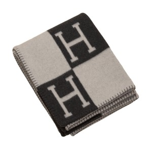 Hermès Hermes New Classic Avalon Gris Fonce and Ecru Blanket