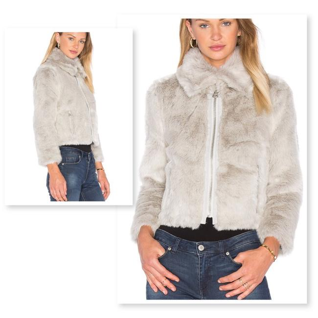 Item - Messy White Pace Faux Coat Size 4 (S)