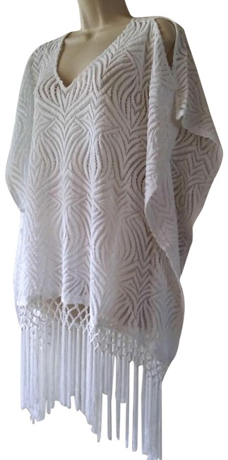 Item - White Cut Out Lace Fringe Poncho Top- S/M Tunic Size 8 (M)