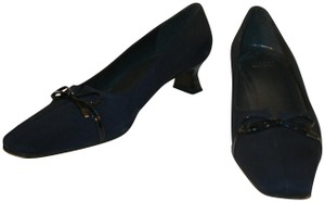 Stuart Weitzman Kitten Heel Evening Formal Wedding Navy Pumps