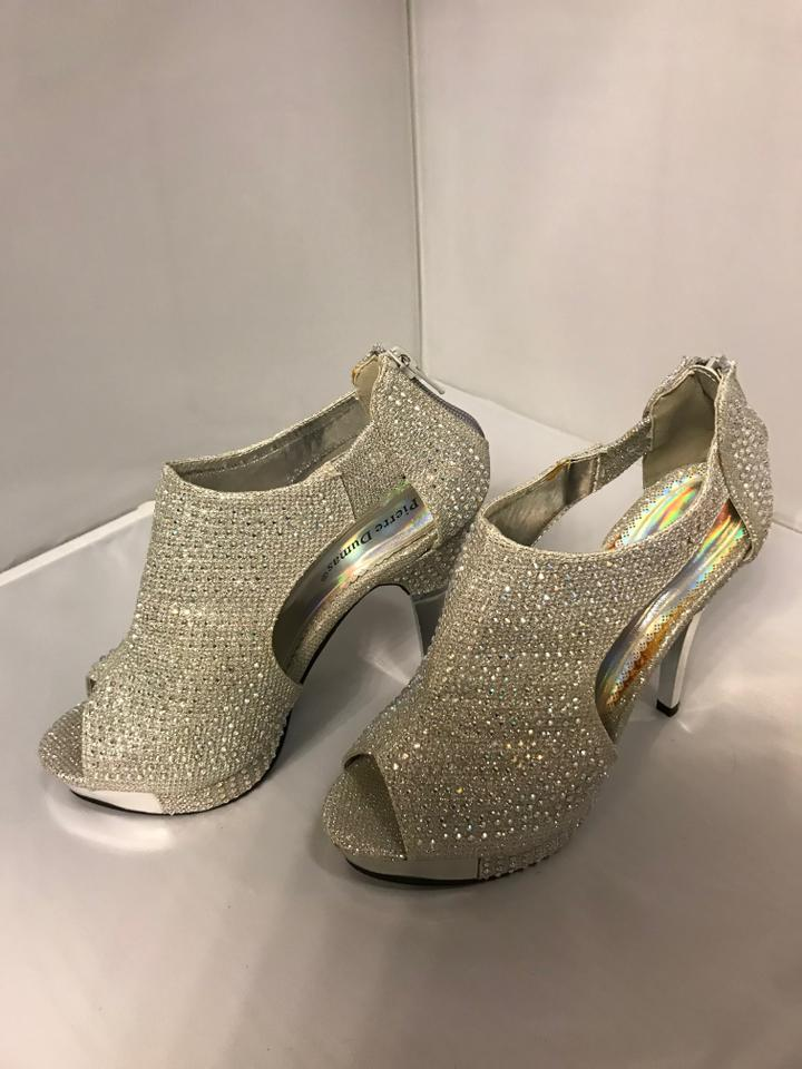 785213c376fb Pierre Dumas Silver Heels Collection Formal Shoes Size US 6 Regular ...