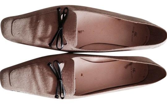 Anne Klein Beige Casual Dressy Low Heel Work Traditional Classic Beige Brown Casual tan Flats