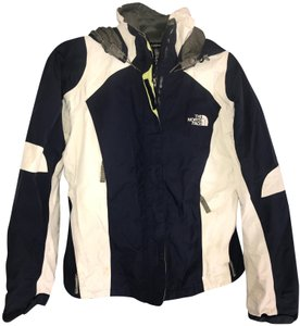 40bbcca047572 The North Face Navy/White Multiple Season Jacket Activewear. Size: 4 ...