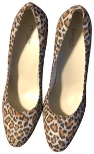 Preview International Leopard like multi color Pumps