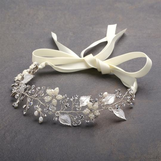 Preload https://item4.tradesy.com/images/mariell-silver-designer-headband-with-painted-hair-accessory-2274843-0-0.jpg?width=440&height=440