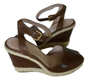 Stuart Weitzman Open Toe Buckle Leather Sandal brown Wedges