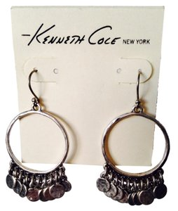 Kenneth Cole NWOT Matt Silver-Tone Shaky Circle Earrings