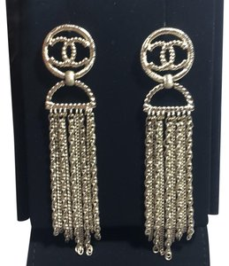 5dfdf4063fbe4c Chanel Gold Earrings - Up to 70% off at Tradesy