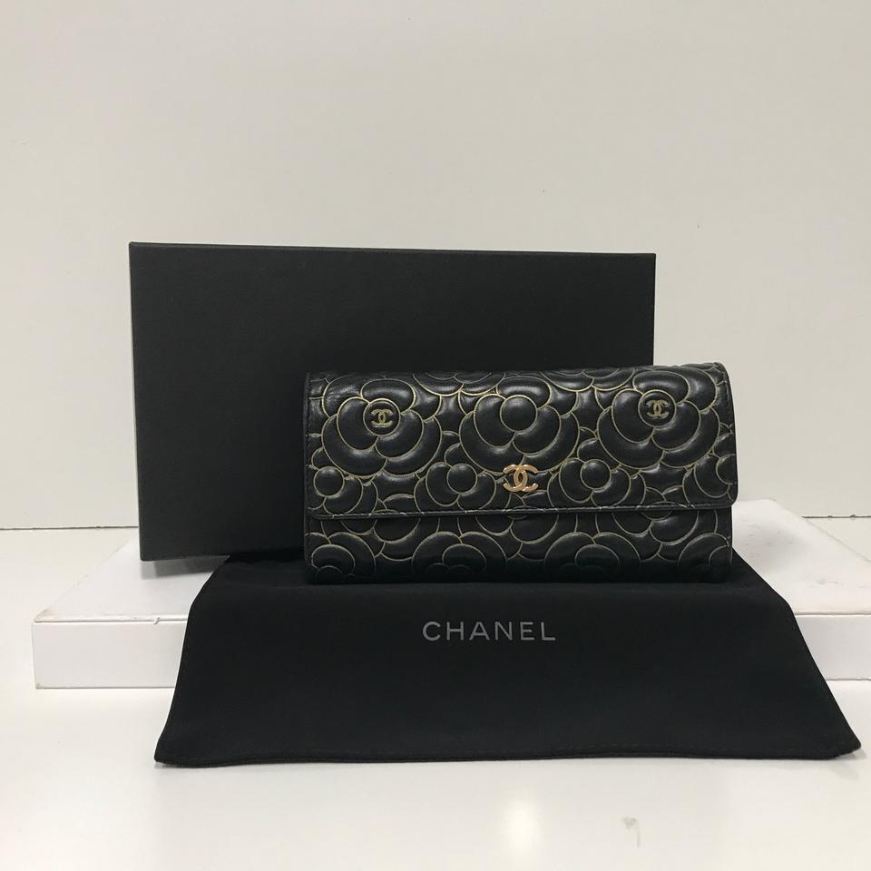 59b2d018b087cd Chanel Camellia Black & Gold Floral Embossed Lambskin Flap Wallet Image 8.  123456789