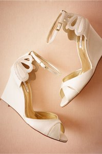 BHLDN Ivory Laura Porto De Mer Wedge Pumps Size US 7 Regular (M, B)