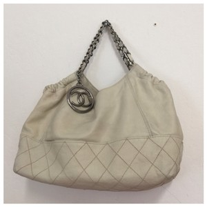 Chanel Tote in of white
