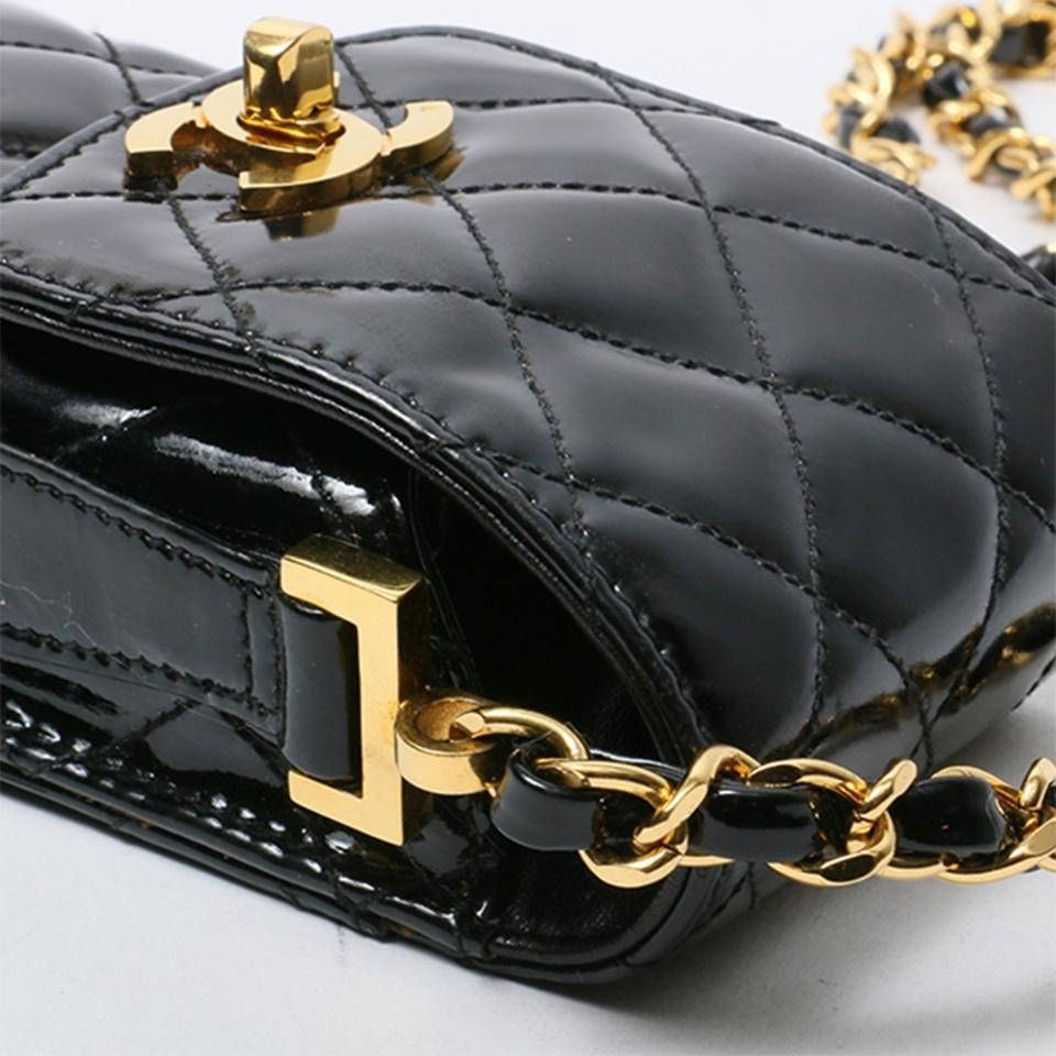 promo code d9968 a62cd Chanel Messenger Vintage Quilted Cell Phone Black Patent Leather Cross Body  Bag 66% off retail