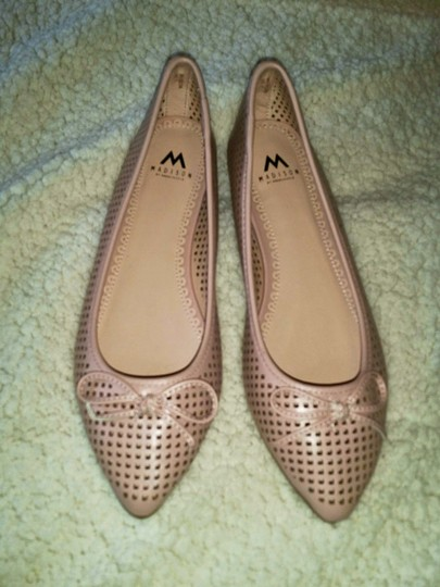 ShoeDazzle Bow Laser Cut Neutral Madison Pink Flats