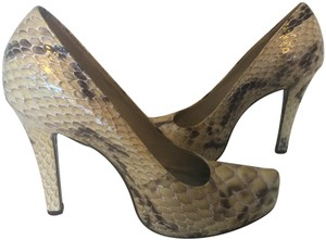 Gianni Bini Leather Clubbing Festival Snakeskin Frosty Taupe Pumps