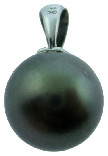 Preload https://item4.tradesy.com/images/14k-white-gold-tahitian-pearl-pendant-charm-necklace-2275518-0-1.jpg?width=440&height=440