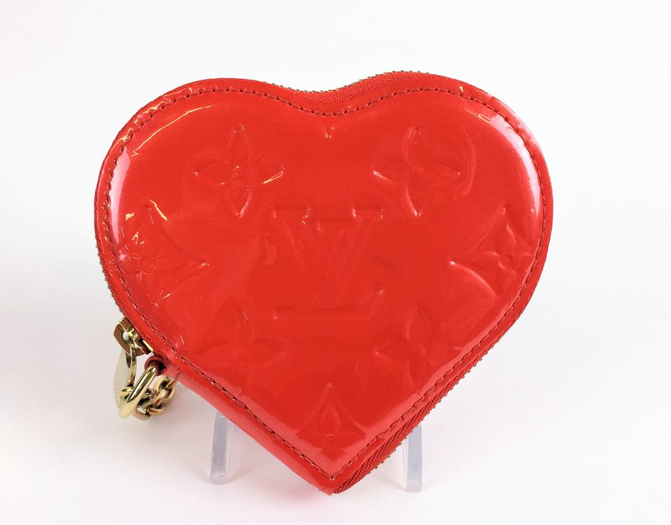 2a8a577f8 Louis Vuitton Louis Vuitton Pomme D'Amour Vernis Heart Coin Purse Image 10.  1234567891011