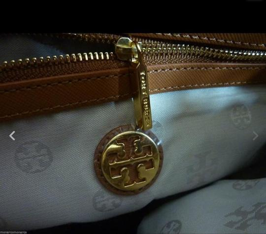 Tory Burch Tote in Brown Image 10