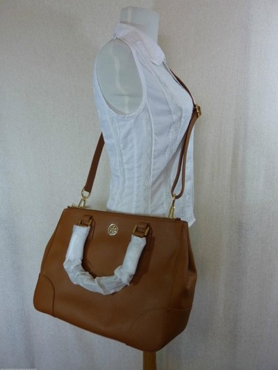 Tory Burch Tote in Brown Image 7