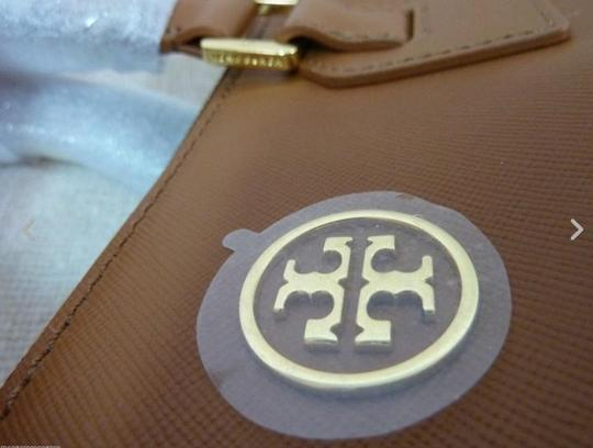 Tory Burch Tote in Brown Image 8