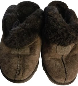 b47ed8ab235 UGG Australia Brown Croquette Slippers Mules/Slides Size US 9 Regular (M,  B) 66% off retail
