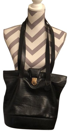 Preload https://img-static.tradesy.com/item/22756908/oroton-black-leather-tote-0-2-540-540.jpg