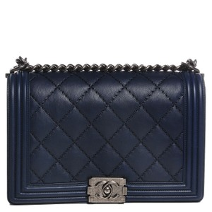 97ab88bb01e134 Blue Lambskin Leather Chanel Bags - 70% - 90% off at Tradesy