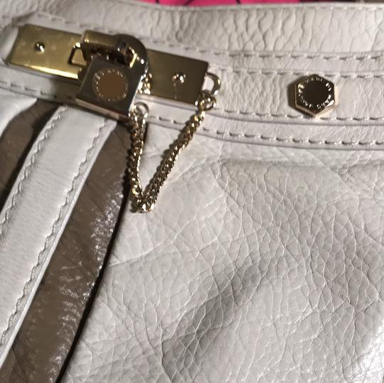 Marc by Marc Jacobs Satchel in taupe & beige Image 9